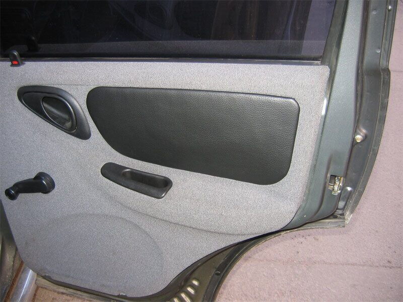 Обшивка двери на ниву шевроле своими руками